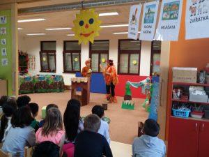 Učitelé hrají pro děti